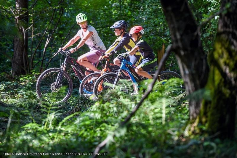 Familienausflug mit dem E-Bike