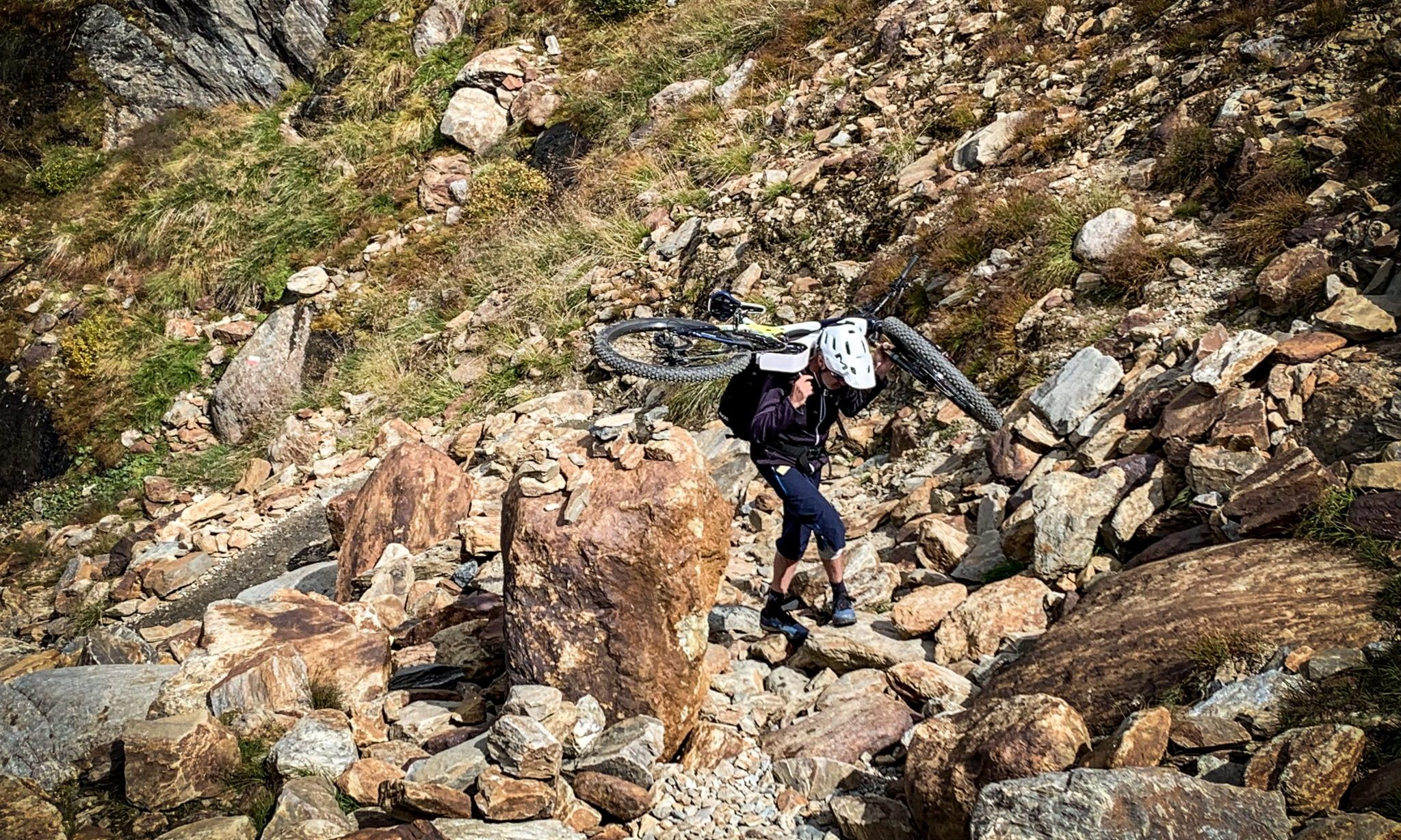 E-Mountainbikes fotografieren ist bezahlter Urlaub